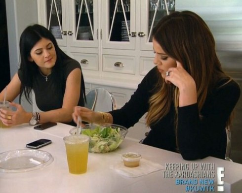 health-fitness-2015-05-kardashians-salad-main